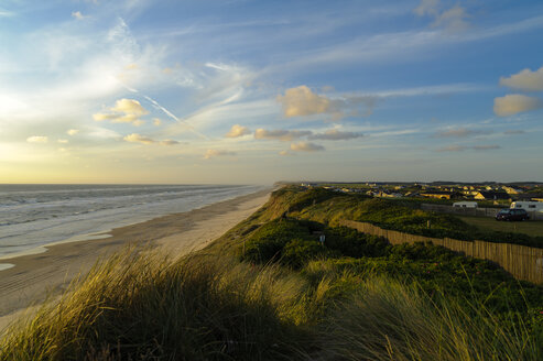 Denmark, Jutland, Lokken, dune landscape and North Sea - UMF00886