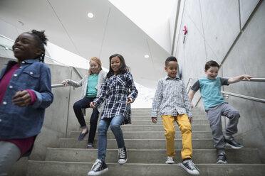 Children descending stairs - HEROF05198
