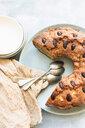 Bundt cake with almonds - CUF46981