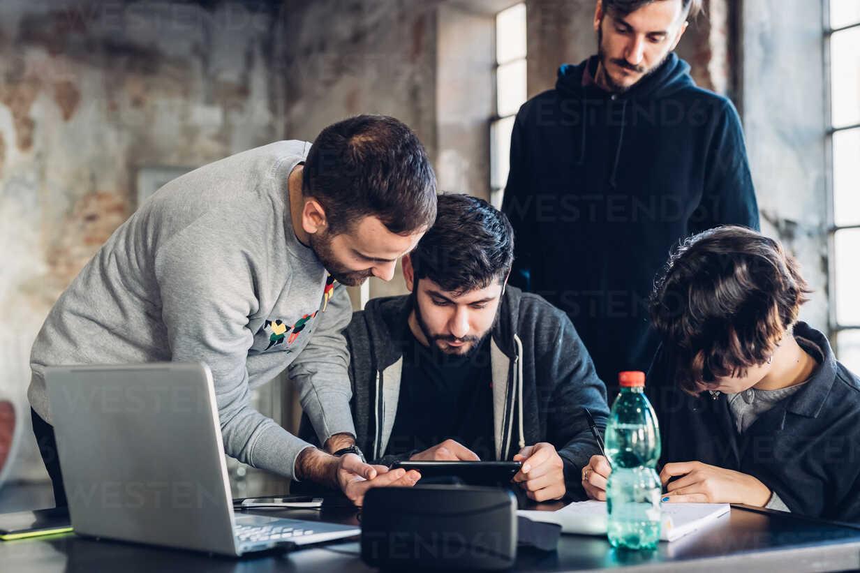 Designers brainstorming in studio - CUF47290 - Eugenio Marongiu/Westend61