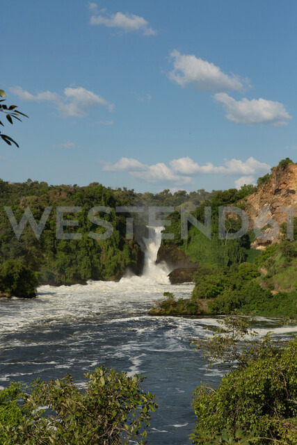 River Nile and the waterfall at Murchison Falls National Park, Uganda - CUF47638