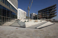 Deutschland, Hamburg, HafenCity, Moderne Wohn- und Bürogebäude - WIF03737