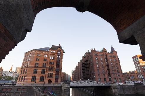 Deutschland, Hamburg, HafenCity, Speicherstadt, Speichergebäude - WIF03740