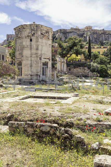 Greece, Athens, Roman Agora, Tower of the Winds with Acropolis in background - MAMF00371