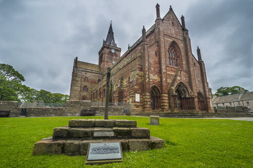 United Kingdom, Scotland, Orkney Islands, Kirkwall, Magnus Cathedral - RUN00996