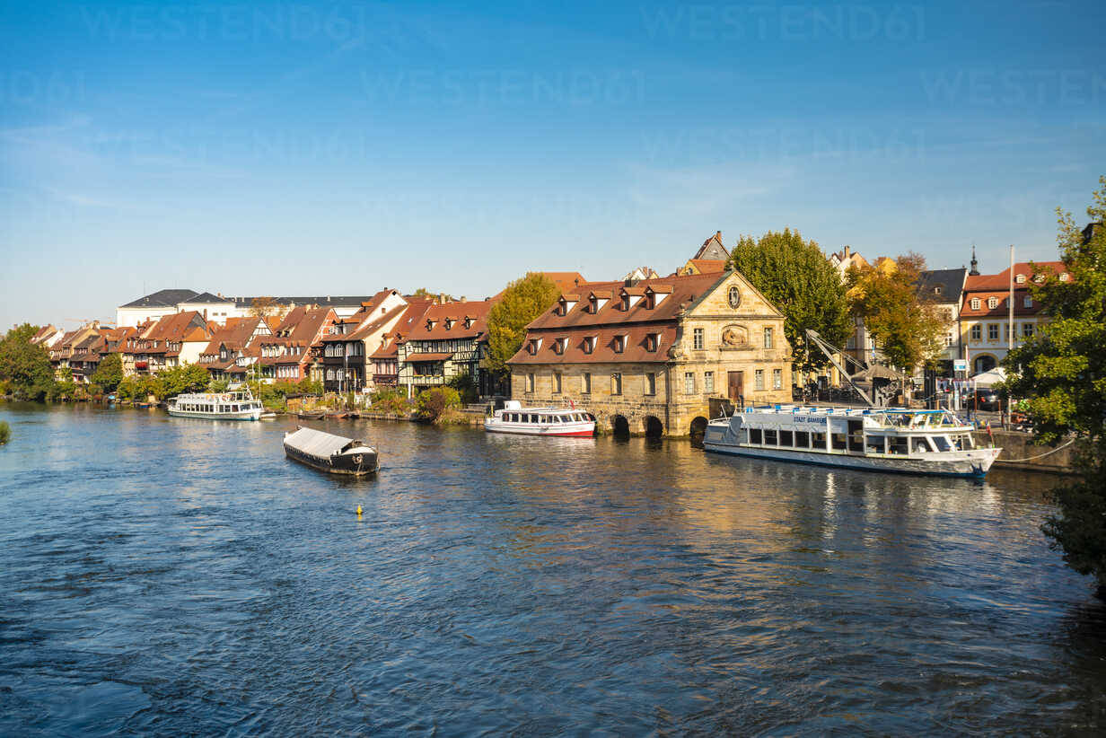 Germany, Bavaria, Bamberg, old town, Regnitz river - TAMF01162 - A. Tamboly/Westend61