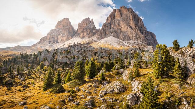 Bouldering location, Città dei Sassi or Steinerne Stadt, Dolomites - CUF48290 - Manuel Sulzer/Westend61