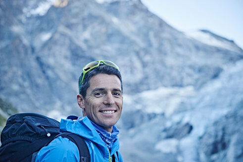 Hiker in Mont Cervin, Matterhorn, Valais, Switzerland - CUF48389