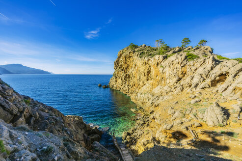 Spain, Baleares, Mallorca, coast near Sa Foradada - THAF02459