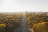 Germany, Berlin, view to Großer Tiergarten with Strasse des 17. Juni  from Victory Column in autumn - GWF05822