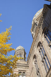 Germany, Berlin, part of facade of New Synagogue in autumn - GWF05825