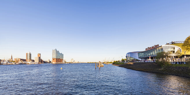 Germany, Hamburg, Stage Theatre and Elbe Philharmonic Hall in the background - WD05063