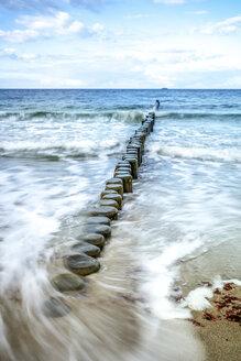 Aufnahme Langzeitbelichtung von Strandbuhnen, Heiligendamm, Bad Doberan, Mecklenburg-Vorpommern, Deutschland - PUF01360