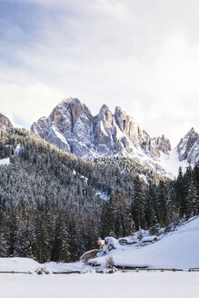 Italy, Trentino Alto-Adige, Val di Funes, Dolomites mountains, Santa Maddalena on a sunny winter day - FLMF00110