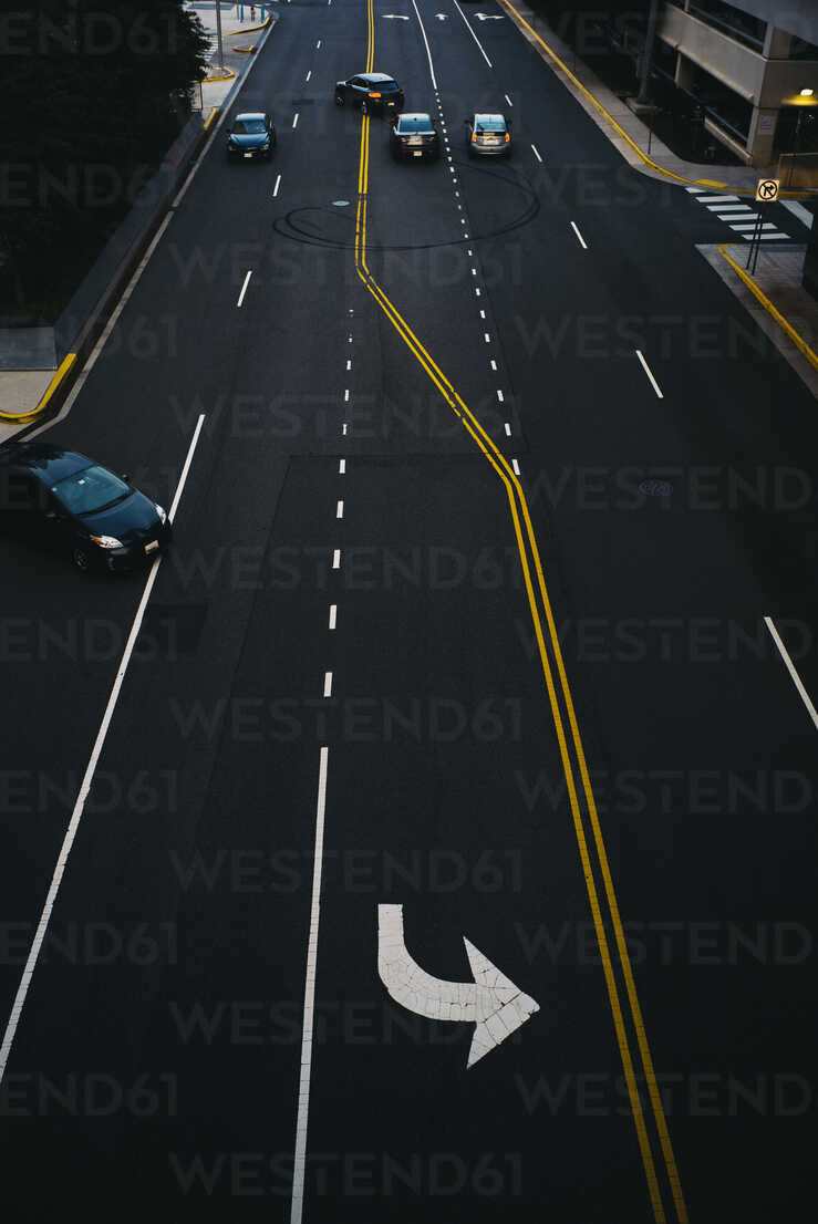 USA, Virginia, Fairfax county, Tysons Corner, elevated view on a road - GCF00243 - Christian Gohdes/Westend61
