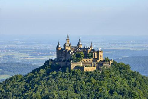 Hohenzollern Castle, Hechingen, Swabian Jura, Baden-Württemberg, Germany - RUE02112