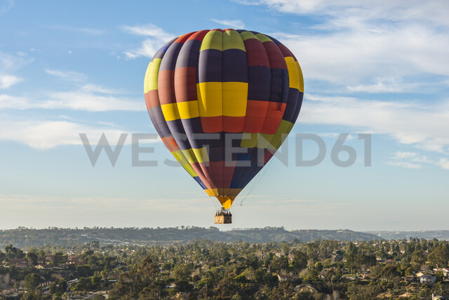USA, California, Del Mar, Hot air balloon - RUNF01095