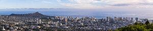 USA, Hawaii Oahu, Puu Ualakaa State Park, View from Tantalus Lookout to Honolulu and Diamond Head - FOF10285
