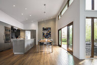 Home showcase open plan kitchen and dining room - HEROF20514