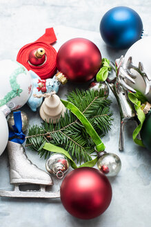 Christmas baubles and ornaments - CUF48742