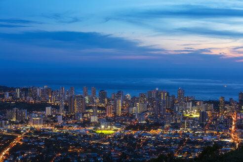 USA, Hawaii, Oahu, Pacific Ocean, Skyline of Honolulu, blue hour after sunset - FOF10296