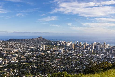 USA, Hawaii, Oahu, Puu Ualakaa State Park, View from Tantalus Lookout to Honolulu and Diamond Head - FOF10302