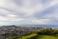 USA, Hawaii, Oahu, Puu Ualakaa State Park, View from Tantalus Lookout to Honolulu and Diamond Head - FOF10308