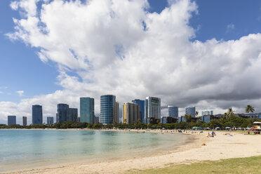 USA, Hawaii, Oahu, Honolulu, Ala Moana Beach - FOF10320