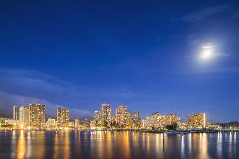 USA, Hawaii, Oahu, Honolulu and Ala Wai Boat Harbor at blue hour - FOF10323