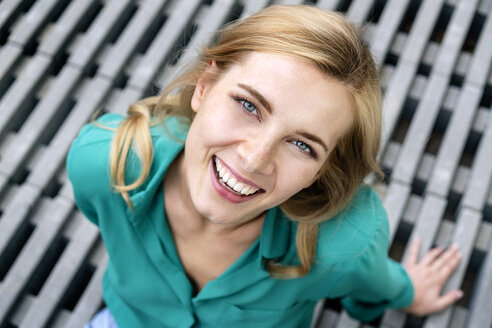 Portrait of a cheerful young woman - PESF01486