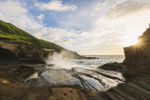 USA, Hawaii, Oahu, Lanai, Pacific Ocean, Coco Crater at sunrise - FOF10361
