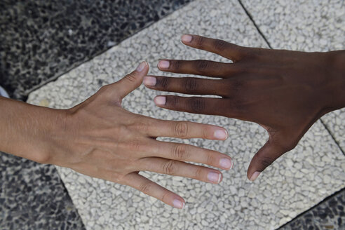 Hands of two women - ECPF00479