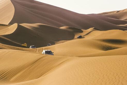 Cars 4x4 desert dunes. Morocco - OCMF00283