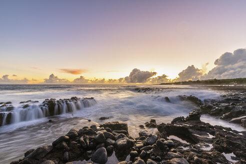 USA, Hawaii, Kauai, Pacific Ocean, South Coast, Kukuiula Bay at sunset - FOF10435
