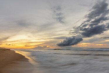 USA, Hawaii, Kauai, Polihale State Park, Polihale Beach at sunset - FOF10448