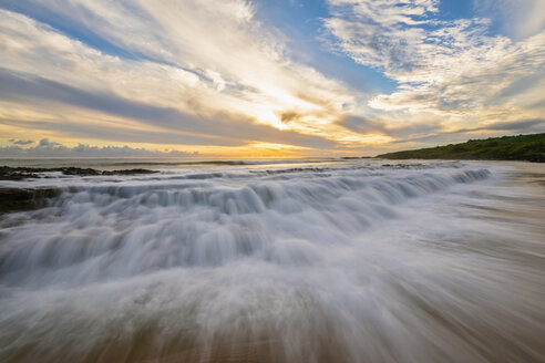 USA, Hawaii, Kauai, Eleele, Salt Pond Park at sunset - FOF10460