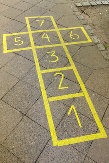 Hopscotch, yellow, Berlin, Germany - NGF00499