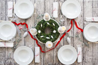 Laid table with Advent wreath and Christmas decoration - LVF07804