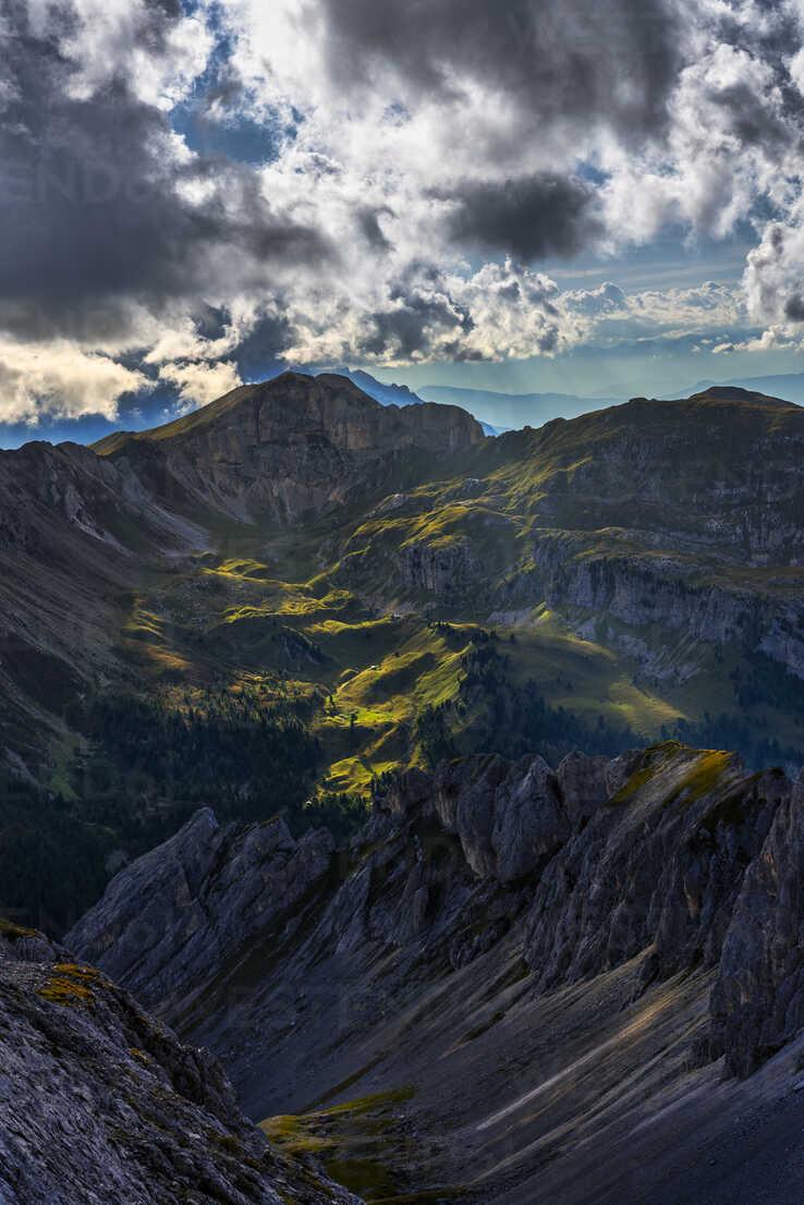 Italy, Veneto, Dolomites, San Pellegrino Pass - LOMF00809 - Lorenzo Mattei/Westend61