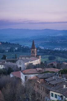 Italy, Umbria, Perugia, view of the city valley and its surrounding hills at sunset - FLMF00144