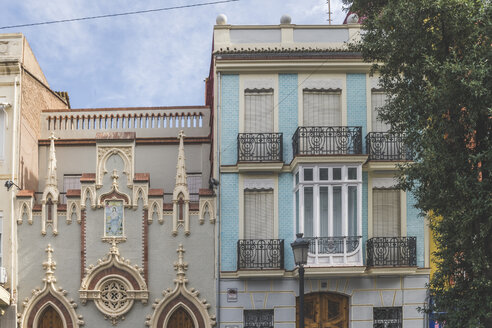 Spain, Valencia, El Cabanyal, facades of houses - KEBF01169
