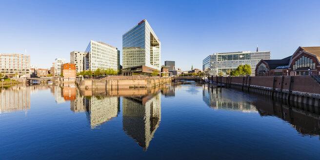 Germany, Hamburg, HafenCity, Ericusspitze, Spiegel publishing house and Deichtorhallen - WD05125