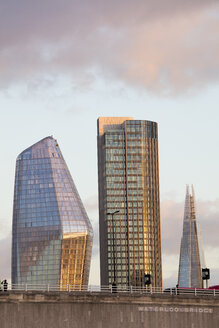 UK, London, Southwark, Waterloo Bridge,  office towers - WI03841