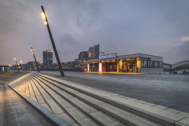 Germany, Hamburg, Vorsetzen, Ueberseebruecke with Elbphilharmonie in background - KEB01209