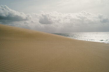 Spain, Tarifa, view from sand dune to the sea - OCMF00297