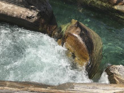 Switzerland, Ticino, Verzasca Valley, Val Versazca, Verzasca river waterfall - GWF05897