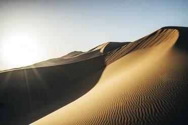 Sun shining over sandy desert, Sahara, Morocco - CAIF22634
