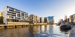 Germany, Hamburg, HafenCity, Elbe Philharmonic Hall, Sandtorhafen and modern residential houses - WDF05147