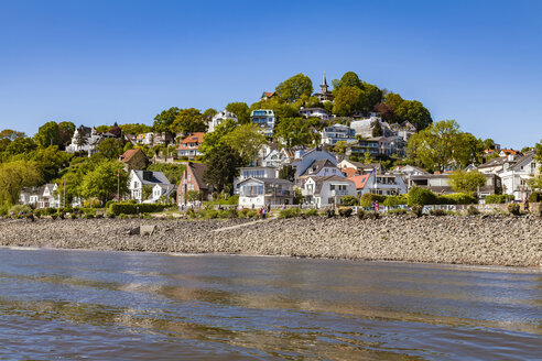 Germany, Hamburg, Blankenese, residential houses at the Elbe shore seen from the water - WDF05168
