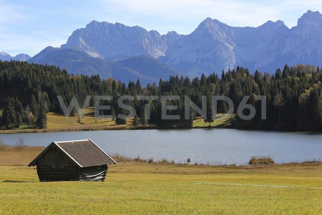 Germany, Bavaria, Geroldsee, wooden hut - DLF00046 - dl-photo/Westend61